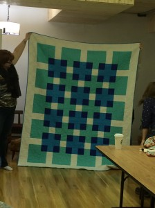 Kelly finished a quilt!! ;)